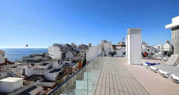 20 MODERNO HOTEL EN EL CENTRO DE BENIDORM. A 50 MTS DE LA PLAYA DE LEVANTE