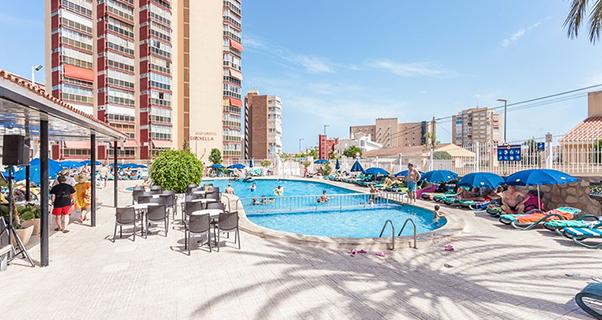 Vacaciones chollo viaja en oto o al hotel cabana de for Oferta hotel familiar benidorm