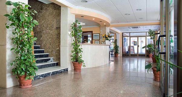 Vacaciones chollo viaja en verano al hotel camposol de for Oferta hotel familiar benidorm
