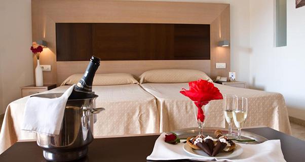 15 HOTEL 4 ESTRELLAS EN BENIDORM