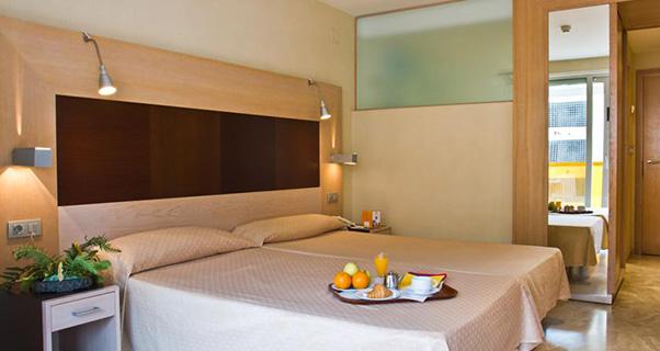 13 HOTEL 4 ESTRELLAS EN BENIDORM