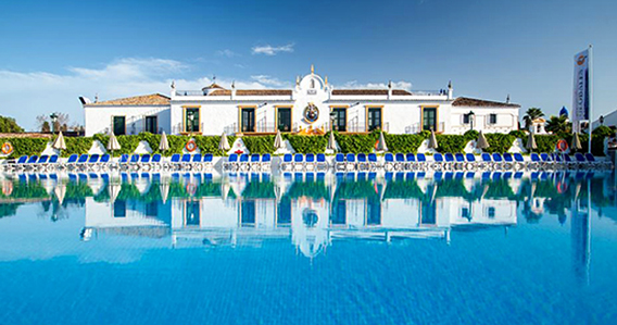 Hotel Globales Pueblo Andaluz*** de San Pedro de Alcántara-Marbella