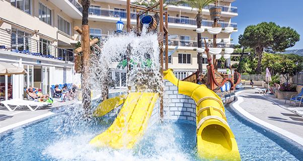 Hotel Oasis Park Splash**** de Calella
