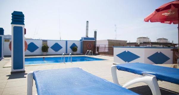 Vacaciones chollo viaja en oto o al hotel port fleming for Oferta hotel familiar benidorm