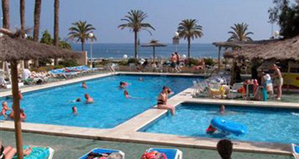 Vacaciones chollo viaja en verano al hotel poseid n for Oferta hotel familiar benidorm