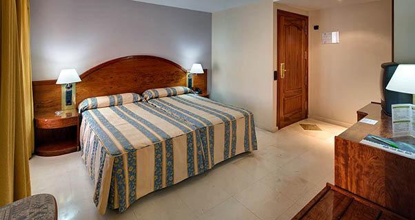 hotel reina cristina de teruel: