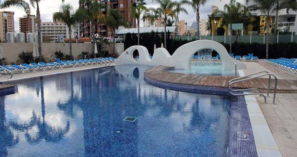 Vacaciones chollo viaja en verano al hotel rosamar de for Oferta hotel familiar benidorm