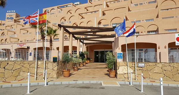 Vacaciones chollo viaja en verano al suite hotel puerto - Hotel puerto marina mojacar ...